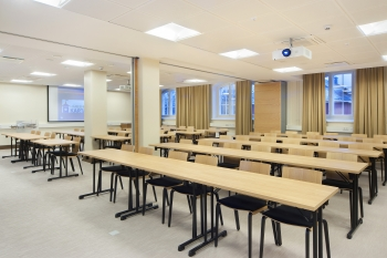 The largest meeting room in Hämeenkylä Manor holds 90 people.